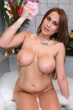 Alanah Rae Washes Her Big Boobs 13