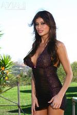 Latina Babe Lisa Daniels