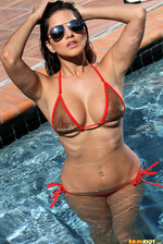 Sunny Leone In The Pool 00