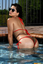Sunny Leone In The Pool 02