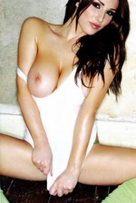Glamour Babe Lucy Pinder 15