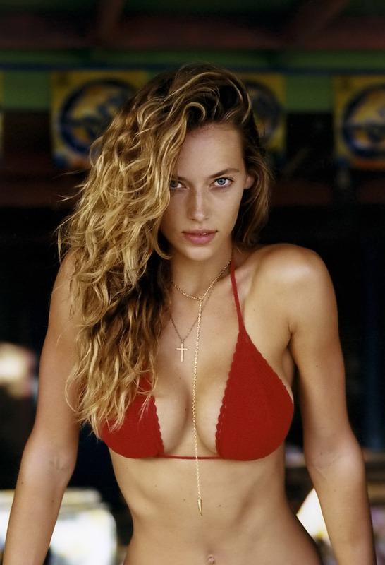 Hannah Ferguson 01