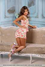 Brunette Beauty Melena Tara Stripping 05