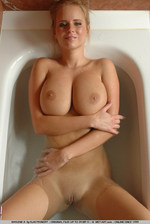 Movie Of This Big Breasted Blonde 01