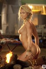 Nikki Leigh  04