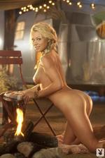 Nikki Leigh  05