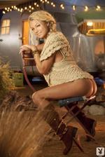 Nikki Leigh  08