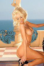 Nicolette Shea 05
