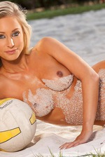 Brittany Barbour Peels Off Sexy Bikini 06