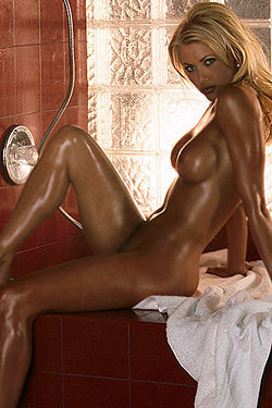 Lisa Dergan Hot Blonde Girl