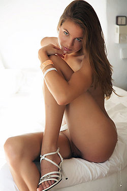 Altea Sexy Nude Girl