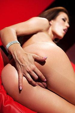Capri Cavanni Masturbates Her Shaved Pussy