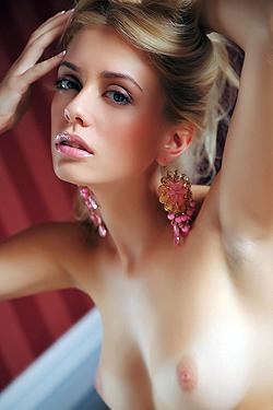 Horny Jennifer Mackay