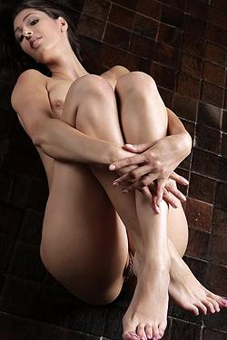 Perfect Body On The Floor