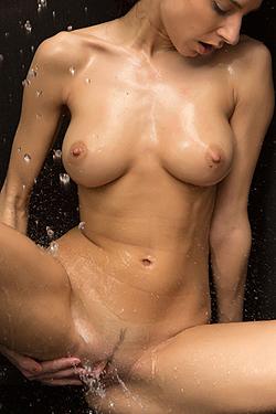Sarah Takes A Hot Shower