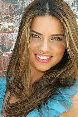 Sexy Celeb Babe Adriana Lima