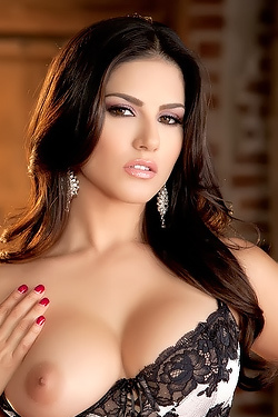 Sunny Leone World Class Performance