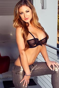Jessie Cabanne Hot Curves