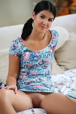 Kinky Teen Lady Dee
