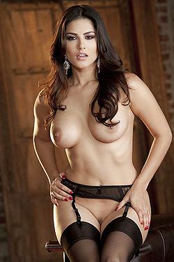 Sunny Leone Slipping Off Her Lingerie