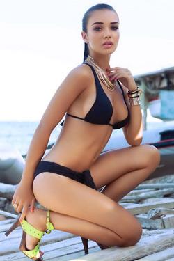 Amy Jackson In Sexy Bikini