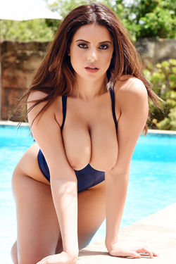 Charlotte Springer By The Pool
