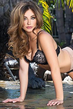 Sexy Playmate Lauren Love