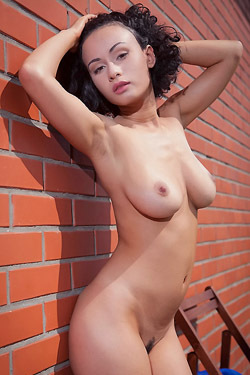 Busty Pammie Lee Nude Outside
