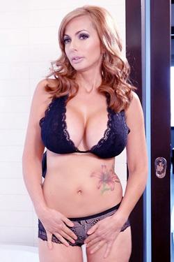 Catalina Cruz Large Beautiful Breasts