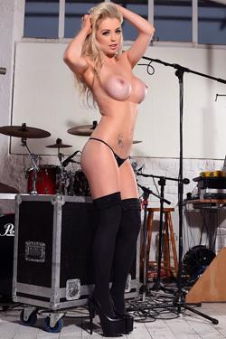 Rocker Babe Alexa Grace