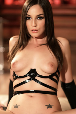 Horny Brunette Bitch Pepper XO In Sexy Black Set
