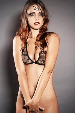 Bailey Knox Dark Halloween Beauty
