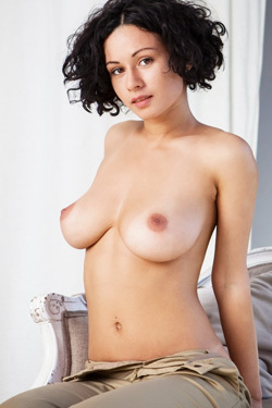 Busty And Curly Pammie Lee Shows Her Great Body