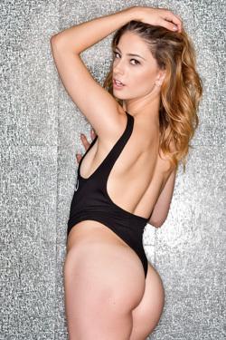Kristen Scott Stripping And Posing
