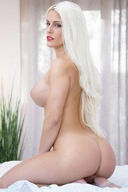 Big Boobed Blanche Bradburry Gets Nude In The Bedroom