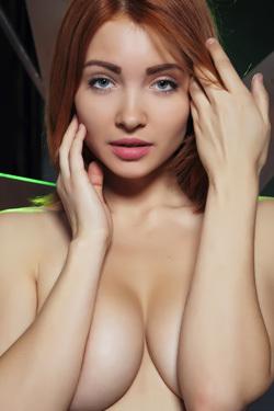 Kika Strips And Poses Nude