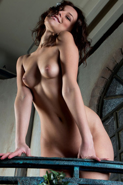 Sexy Brunette Girl Nikia