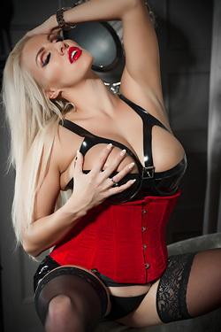 Mistress Dannii Harwood