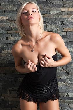 Zizsie In So Cute Blonde Teen Strips To Naked