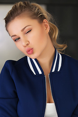 Candice B Snezhka