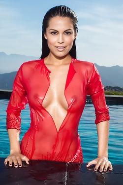 Latin Playmate Raquel Pomplun